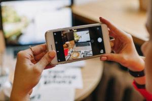 millennial sharing workspace
